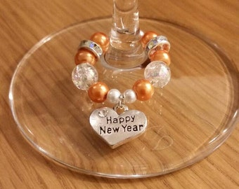 New Years Eve Wine Glass Charms - bring a touch of class without losing your glass this NYE 2017
