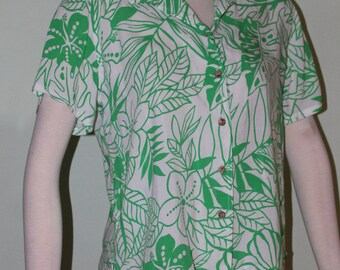 Medium Gloria Vanderbilt vintage 1990's graphic top