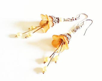 Earrings 'flowers of orange and silver beads'