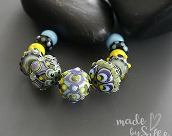 Handmade lampwork bead set  |  FANCY CoLoR COMPOSITION  |  round beads  |  SRA  |  artisan glass |  Silke Buechler