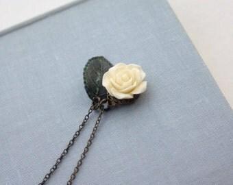 Rose and Leaf Necklace,Verdigris Leaf Necklace, Ivory Rose Flower Necklace Verdigris Green, Rustic Wedding, Wedding Necklace Bridal Necklace