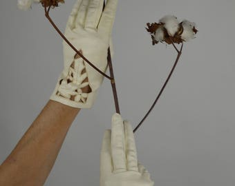 Kid Leather Gloves, White Gloves, Cut Out Gloves, Floral Gloves, Bridal Gloves, Wedding Gloves, White Leather Gloves, Vintage Gloves,