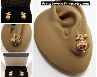 Avon Sparkling Christmas Ornament Clip On Earrings Gold Tone Vintage 1992 Red Clear Round Faceted Crystals Rib Bands Three Holly Leaves