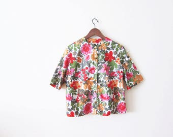 60s blouse / 60s floral shirt / womens floral top / pink floral shirt / 1960s clothing / colorful flower print blouse / vintage cotton shirt