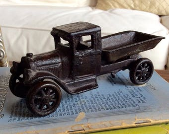 1920's Arcade Manufacturing Co. #220 Cast Iron Ford Model AA Toy Dump Truck