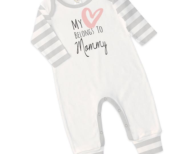 Newborn Baby I Love Mommy Romper, Baby Girl Romper, Newborn Take Home Outfit, Shower Gift, Hospital Outfit, Mother's Day, Gray, Tesababe