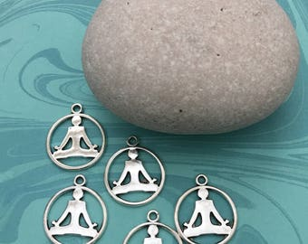 BUDDHA Set of Five (05) vintage round Yoga Buddha meditating charms antique silver tone and antique bronze.
