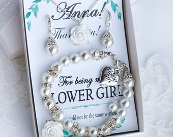 Flower girl bracelet Personalized Flower girl gift for girl Pearl bracelet Initial bracelet Little girl Bracelet Flower Girl Gift Ideas