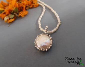 Pearl Pendant Necklace, Flat Pearl Necklace, Pearl Coin necklace, Pearl and Silver Necklace, Handmade Pearl Necklace, Wedding Pearl Necklace