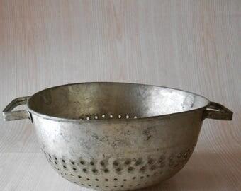 ON SALE Vintage  colander, Old strainer, Berry bowl, Rustic kitchen decor, Antique farmhouse, Fruit Drainer, Pasta Colander, Primitive Farmh