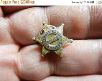 Summer Sale Vintage Illinois Association of Police Chiefs Miniature Badge