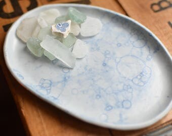 White and Blue Bubble Dish