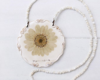 Real Daisy, Chamomile necklace, Real Flower Jewelry, Romantic Pendant, Botanical Jewelry, Preserved Flower, Nature Jewelry, Nature Pendant