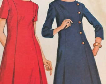 Classy Vintage 1960's Princess Seamed Dress With Pleated Underlays---McCalls 9163---Size 12 1/2  Bust 35