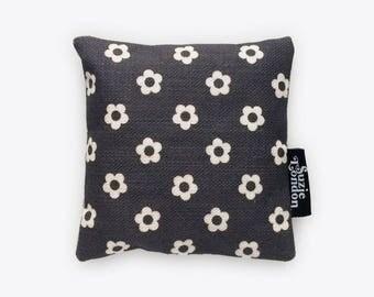 60s Flower Lavender Bag in Midnight