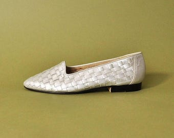 FLASH SALE 90s Silver Loafers, Vintage 90s Loafers, Woven Leather Loafers, 90s Flats, 90s Minimal Flats, Minimal Silver Slides, Womens US Si