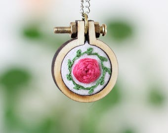 Embroiderd Necklace | Rose Flower