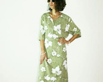 40%OFF 70s Retro dress, vintage dress, green floral dress, button dress, shirt dress, shift dress, xl xxl clothing, maxi dress, hippie gypsy