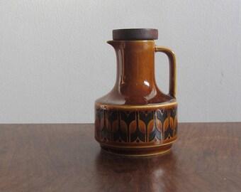 Original 1970s Hornsea Heirloom lidded vinegar pourer. Small brown vinegar jug, retro English pottery, British design. Collectable ceramic.