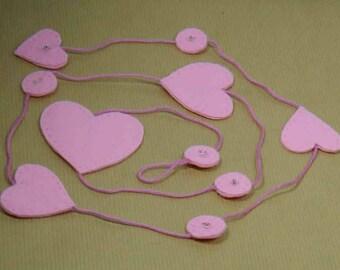 Five pink felt hearts Garland