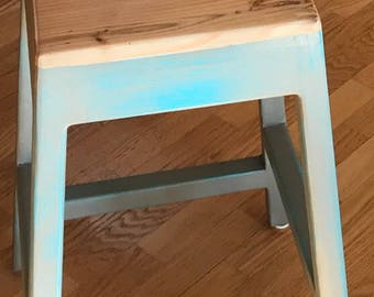 Wood Stool/ bar stool/ rustic/ bench/ kitchen/ wet bar/ custom/ distressed