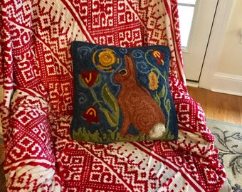 Original rug hooking pattern, hand drawn on primitive Linen, or Monkscloth. Perfect pillow size , spring rabbit.