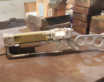 Laser Rifle Fallout 4 Inspired AERX Replica with working reloading mechanism and 3 micro fusion cells