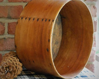 FREE SHIPPING! - Antique Wood Cheese Box - Primitive Round Wood Box - No Lid - Rustic Farmhouse Storage - Shabby Cottage -Vintage Wood Treen