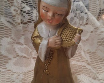 Cutest Little Vintage Mid-Century Gold Painted Ceramic Singing Nun Harp Rosary Figurine Collectible