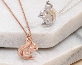Personalised Sterling Silver Or Gold Squirrel Necklace (HBN208 / M052)