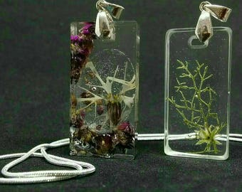 Resin jewelry- flower in jewelry- summer in jewelry- stoping Time jewelry- nature jewelry
