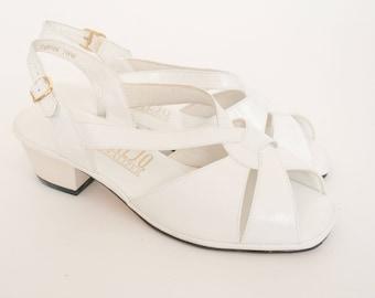 Vintage 1970's Penaljo White Leather Sandal - Sling Back - Peep Toe - Cut Out Shoe - EU 38 US 7 UK 5