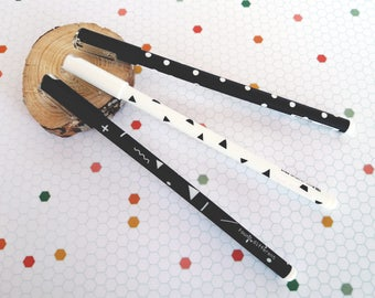 Ballpoint pen with geometric shapes   Black gel pen   Tip 0.5 mm