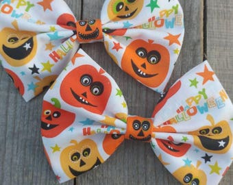 Halloween hair bow, Halloween bow, fabric hair bow, fabric bow, pumpkins, hair bow
