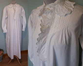 Beautiful late Victorian nightgown, Long, white cotton with Frilly Cuffs & Collar. Free, up to large size. Long sleeved, antique vintage