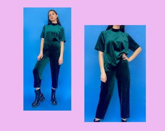 Vintage 80s 90s Dark Green Velvet Turtle Neck T-Shirt and High Waisted Trouser Pants Matching Set