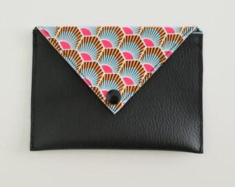 Pochette en forme d'enveloppe en simili cuir et toile cirée