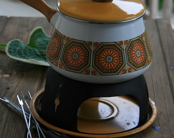 enameled fondue pot seventies style
