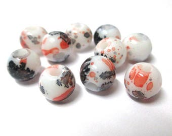 10 white speckled black and red glass beads 8mm (H-12)