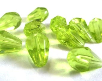 50 beads green faceted drop clear 11x7x7mm