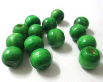 10 Green 12mm wooden beads