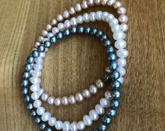 Set of Three Fresh Pearls Stretching Bracelets