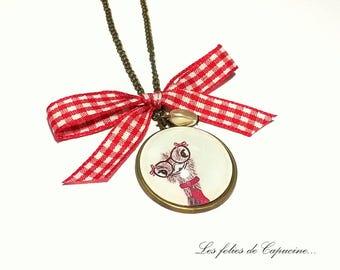 Great necklace CABOCHON •AUTRUCHE has LUNETTE•