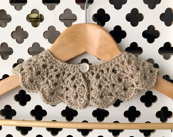 Crochet Peter Pan Collar with sparkling sequences in the wool, Girls or Women's Collar, Girls Peter Pan Collar, Girls Clothing, Women's Coll