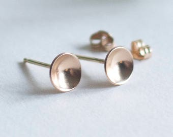 14k solid gold earrings Gold stud earrings Curved gold disc earrings 14 k gold Tiny stud earrings Christmas Gift for her Wedding gift