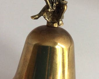 Vintage 70's brass bell with angel. Angel playing harp on top of brass bell. Brass angel playing harp. Cherub playing harp. Silvestri.