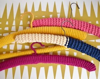 Splendid vintage set of 4 mixed coloured covered coat hangers - Retro Warcdrobe