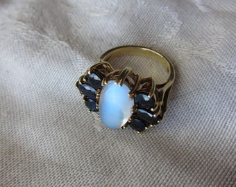 Beautiful Vintage 14 kt. Gold Moonstone and Sapphires Ring    C.1950