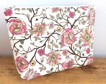 FLORAL MAKEUP BAG - Valentine's Day Gift - Bridesmaid Gift - Floral Cosmetic Bag - Pretty Makeup Bag - Gift for Her - Floral Pouch