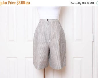 25% OFF VTG 80s White and Black Striped Business Shorts S/M